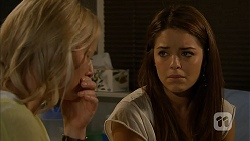 Lauren Turner, Paige Novak in Neighbours Episode 6942
