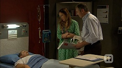 Toadie Rebecchi, Sonya Mitchell, Karl Kennedy in Neighbours Episode 6942