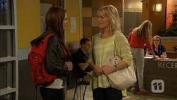 Paige Novak, Lauren Turner in Neighbours Episode 6942