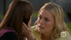 Paige Novak, Lauren Turner in Neighbours Episode 6943