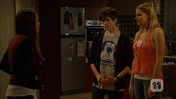 Paige Novak, Bailey Turner, Amber Turner in Neighbours Episode 6943