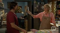 Brad Willis, Lauren Turner in Neighbours Episode 6944