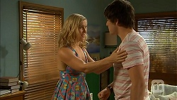 Georgia Brooks, Chris Pappas in Neighbours Episode 6944