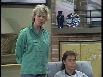 Helen Daniels, Mike Young in Neighbours Episode 0449
