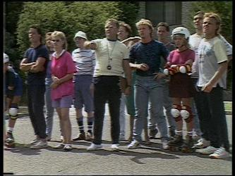 Mike Young, Daphne Clarke, Jim Robinson, Scott Robinson, Charlene Mitchell, Henry Ramsay in Neighbours Episode 0449