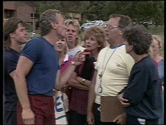 Mike Young, Jim Robinson, Scott Robinson, Madge Bishop, Harold Bishop, Nell Mangel in Neighbours Episode 0449