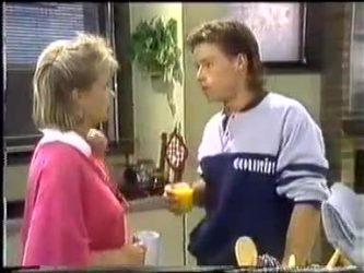 Daphne Clarke, Mike Young in Neighbours Episode 0450