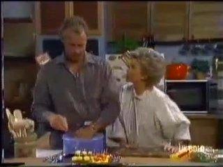 Jim Robinson, Helen Daniels in Neighbours Episode 0451