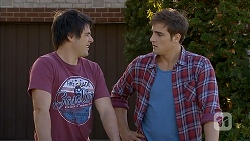 Chris Pappas, Kyle Canning in Neighbours Episode 6946