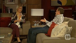 Lucy Robinson, Paul Robinson in Neighbours Episode 6946