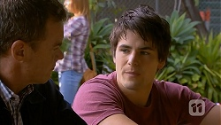 Paul Robinson, Chris Pappas in Neighbours Episode 6946