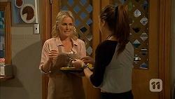 Lauren Turner, Paige Smith in Neighbours Episode 6947