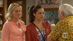 Lauren Turner, Paige Novak, Lou Carpenter in Neighbours Episode 6948