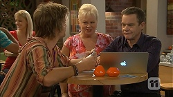 Daniel Robinson, Sheila Canning, Paul Robinson in Neighbours Episode 6950