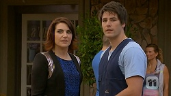 Naomi Canning, Chris Pappas in Neighbours Episode 6951
