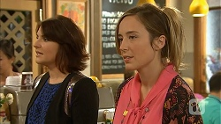 Naomi Canning, Sonya Rebecchi in Neighbours Episode 6951