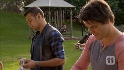 Nate Kinski, Chris Pappas in Neighbours Episode 6952