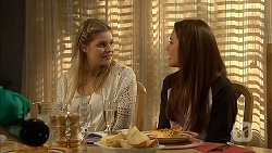 Amber Turner, Paige Novak in Neighbours Episode 6953