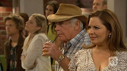 Daniel Robinson, Amber Turner, Lou Carpenter, Terese Willis in Neighbours Episode 6954