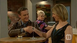 Paul Robinson, Sheila Canning, Penny Gardner in Neighbours Episode 6955