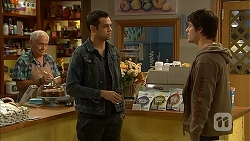 Lou Carpenter, Nate Kinski, Chris Pappas in Neighbours Episode 6956