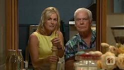 Lauren Turner, Lou Carpenter in Neighbours Episode 6956