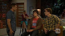 Mark Brennan, Chris Pappas, Kyle Canning in Neighbours Episode 6958