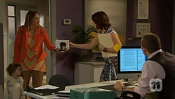 Nell Rebecchi, Sonya Mitchell, Naomi Canning, Toadie Rebecchi in Neighbours Episode 6959