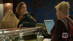 Sonya Mitchell, Sheila Canning in Neighbours Episode 6961