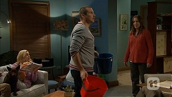 Bossy, Georgia Brooks, Toadie Rebecchi, Sonya Mitchell in Neighbours Episode 6961