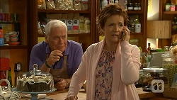 Lou Carpenter, Susan Kennedy in Neighbours Episode 6962