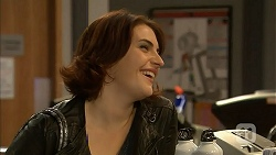 Naomi Canning in Neighbours Episode 6964