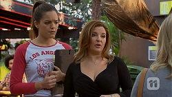 Paige Novak, Terese Willis in Neighbours Episode 6966