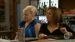 Sheila Canning, Terese Willis in Neighbours Episode 6966