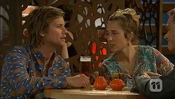 Daniel Robinson, Sonya Mitchell in Neighbours Episode 6966