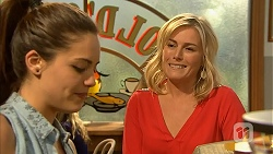 Paige Novak, Lauren Turner in Neighbours Episode 6968