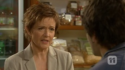 Susan Kennedy, Chris Pappas in Neighbours Episode 6970