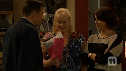 Alan Haywood, Sheila Canning, Naomi Canning in Neighbours Episode 6971