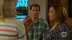 Lauren Turner, Matt Turner, Terese Willis in Neighbours Episode 6971