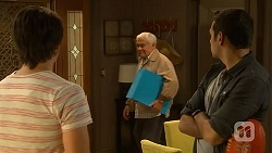 Chris Pappas, Lou Carpenter, Nate Kinski in Neighbours Episode 6974