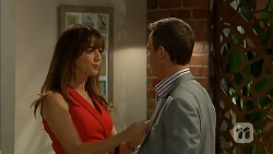 Dakota Davies, Paul Robinson in Neighbours Episode 6975