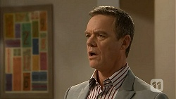 Paul Robinson in Neighbours Episode 6975