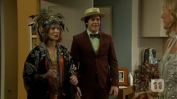 Sonya Rebecchi, Chris Pappas, Lauren Turner in Neighbours Episode 6976
