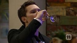 Josh Willis in Neighbours Episode 6976