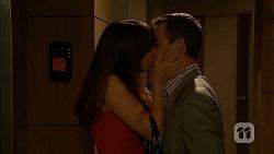 Dakota Davies, Paul Robinson in Neighbours Episode 6977