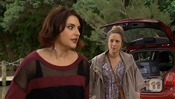 Naomi Canning, Sonya Rebecchi in Neighbours Episode 6981