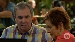 Karl Kennedy, Susan Kennedy in Neighbours Episode 6982