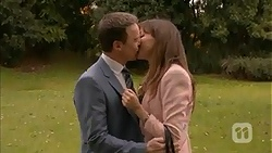 Paul Robinson, Dakota Davies in Neighbours Episode 6982