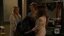 Amber Turner, Daniel Robinson, Dakota Davies in Neighbours Episode 6982