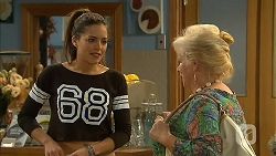 Paige Novak, Sheila Canning in Neighbours Episode 6983